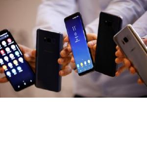 Названы лучшие смартфоны 2017 года