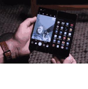 ZTE выпустила складной смартфон с двумя экранами