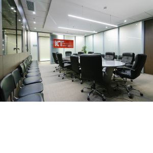 Лаконичный дизайн для высокотехнологичной компании: NAYADA оформляет офис ГК «Кронштадт»
