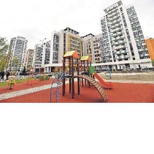 В рамках реновации переселение ведется в 36 «стартовых» домов из 60 включенных в программу - Лёвкин