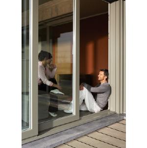 Международный концерн Deceuninck (Декёнинк) 18 июня запустил рекламную интернет-кампанию панорамных подъемно-сдвижных дверей «HS-Порталы»