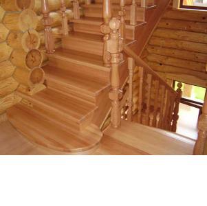 Красивые лестницы для дома и дачи из массива