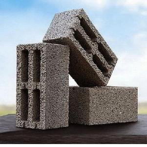 Блоки строительные: керамические, газосиликатные, пескобетонные, керамзитобетонные.
